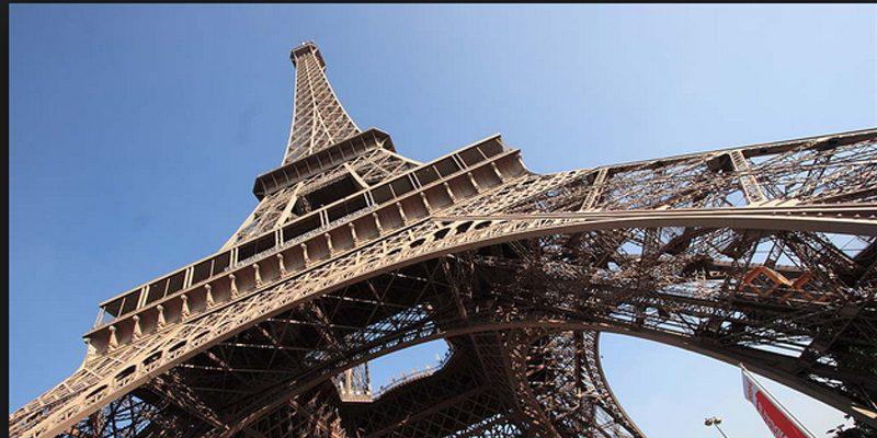La Torre Eiffel será protegida por cristal blindado anti terrorista
