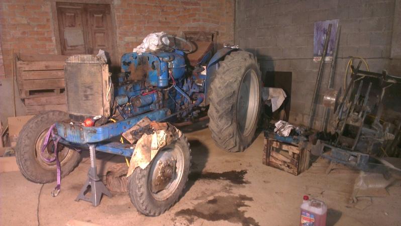 Tampoco se consiguen cauchos para los tractores