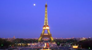 Torre Eiffel protegida con cristal