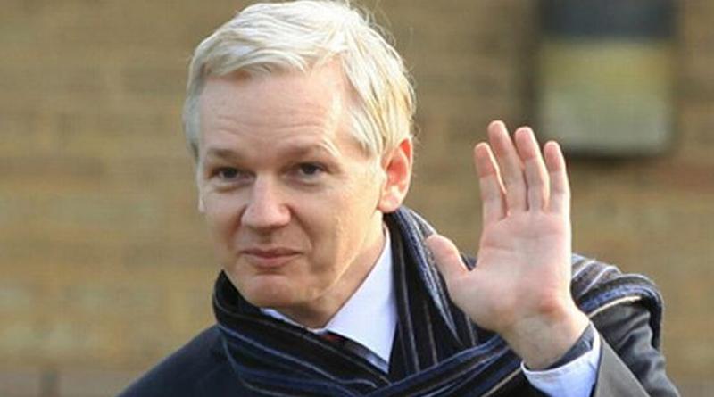 """Julian Assange le pidó a Lasso que """"se retire"""" de Ecuador"""