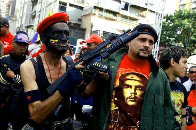 Los colectivos, grupos parapoliciales del chavismo. generan el caos en las concentraciones opositoras