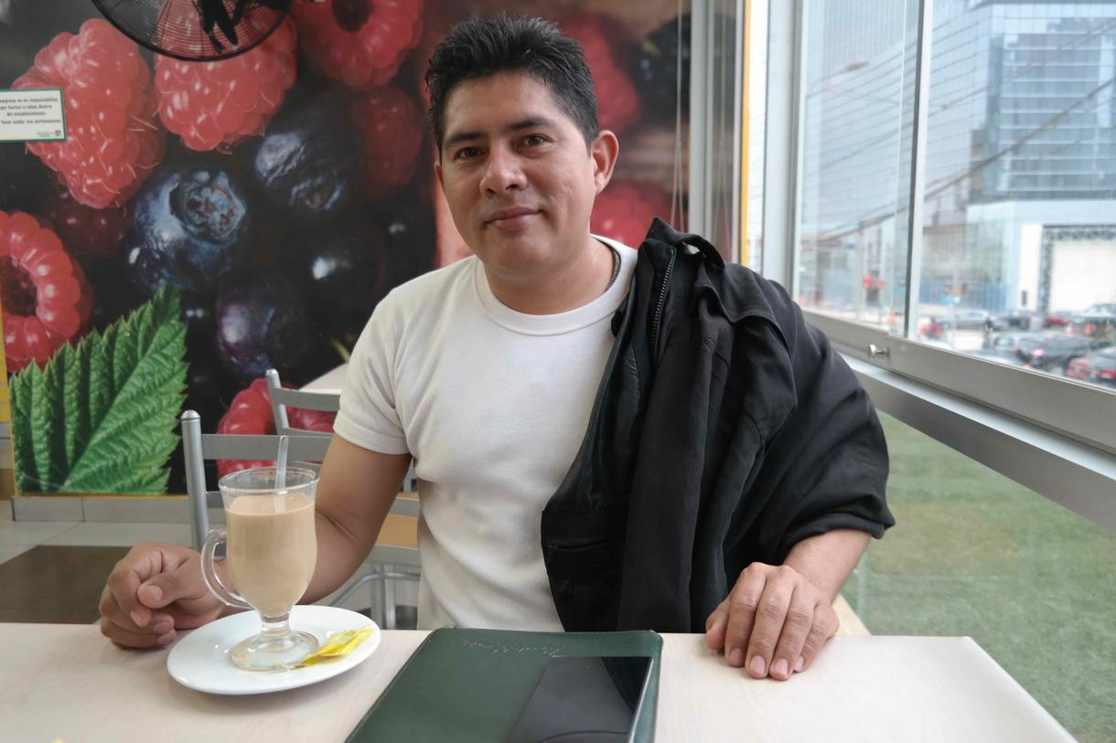 Los venezolanos se las ingenian en Perú para sobrevivir