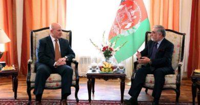McMaster visita Kabul