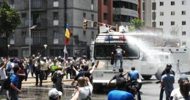 Enfrentamientos entre la GNB y oposición venezolana