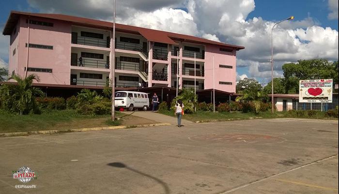 En Valle de La Pascua, estudiantes de medicina reclaman mejoras para su centro de estudio