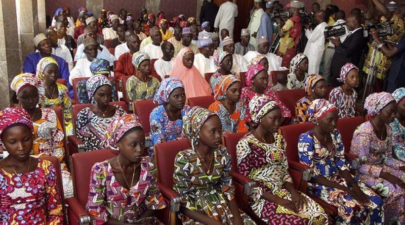 El grupo terrorista Boko Haram liberó 82 niñas, de las  276 que secuestró hace 3 años