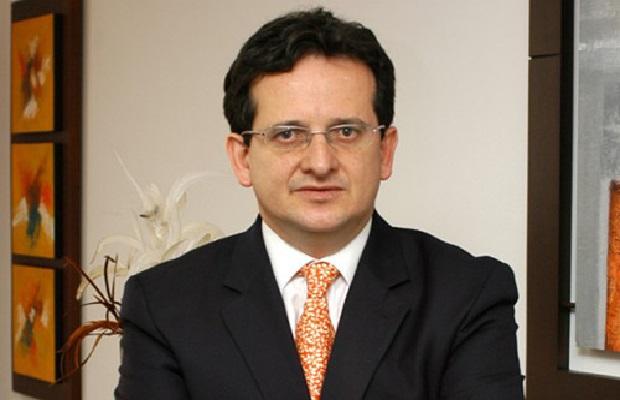 Ricardo Lozano embajador de Colombia en Venezuela, no volverá por el momento