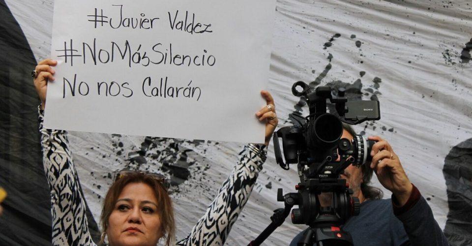 Un aproximado de doscientos comunicadores sociales se reunieron en México para protestar en contra de la inseguridad que arropa a los periodistas