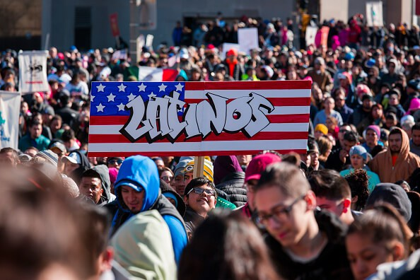 Latinos radicados en California marcharon el Primero de Mayo