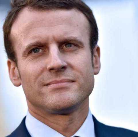 Macron espera confiado y seguro de si mismo, el día de las elecciones