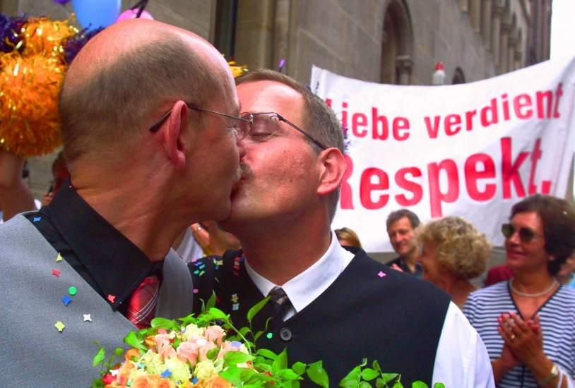 El Congreso extraordinario socialdemócratas ( SPD), había fijado con anterioridad, la legalización del matrimonio igualitario