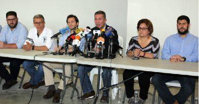 Gobierno de Nicolás Maduro hostiga a los alcaldes opositores