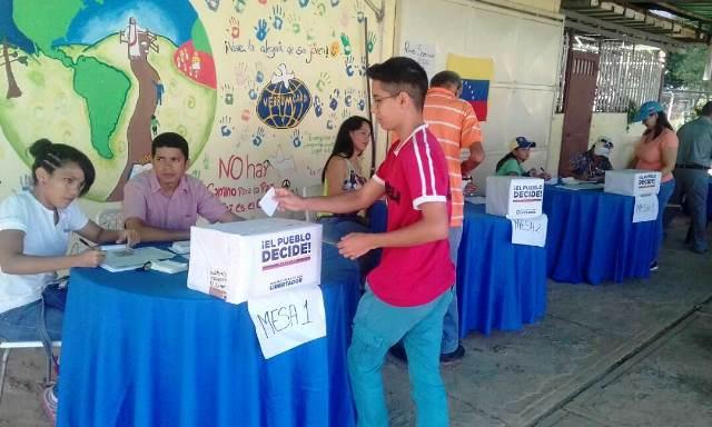 Oposición instaló veinte puntos de participación soberana en el plebiscito