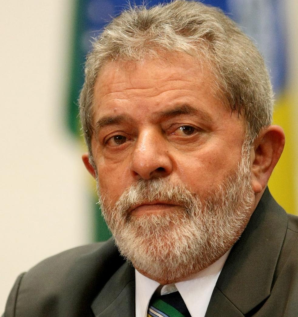 Luiz Inácio Lula da Silva, condenado a nueve años de cárcel por corrupción y blanqueo de dinero