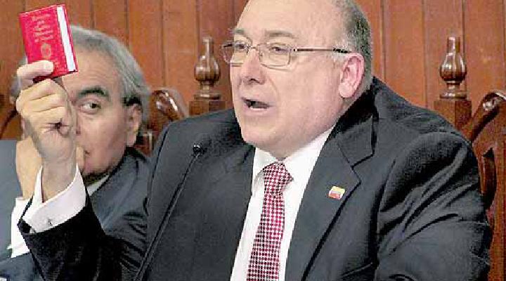 Embajador de Venezuela en Perú, fue expulsado por el gobierno peruano