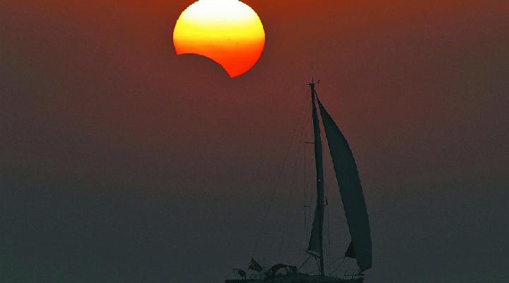 El eclipse solar total o eclipse del siglo