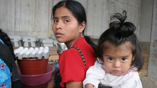 ONU solicita a El Salvador que la edad mínima para casarse sea establecida en 18 años.