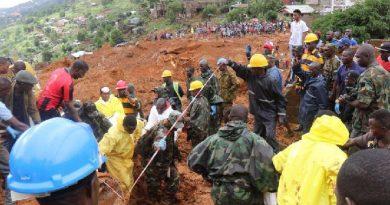 Ascendió a 400 los fallecidos y 600 los desaparecidos por los deslizamientos de tierra en Sierra Leona