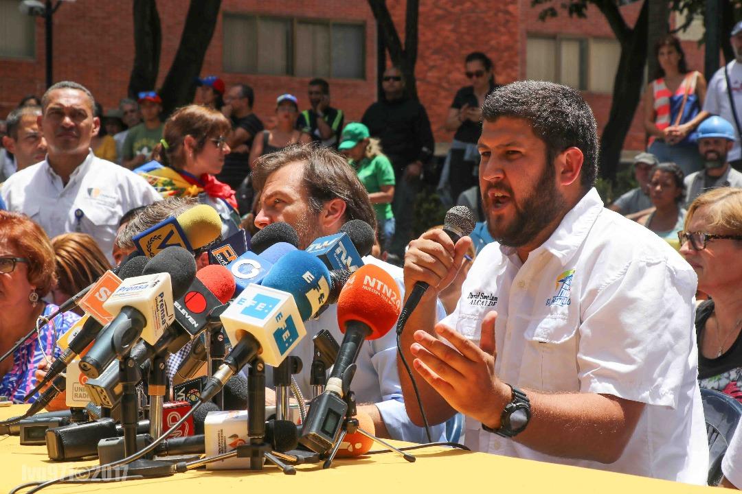 la orden dictamina que Smolansky quedará a la orden del Servicio Bolivariano de Inteligencia (Sebin)