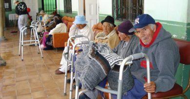 Sofocados mueren ocho ancianos en geriátrico de Hollywood Hill