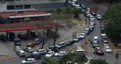 Escasea la gasolina en Venezuela