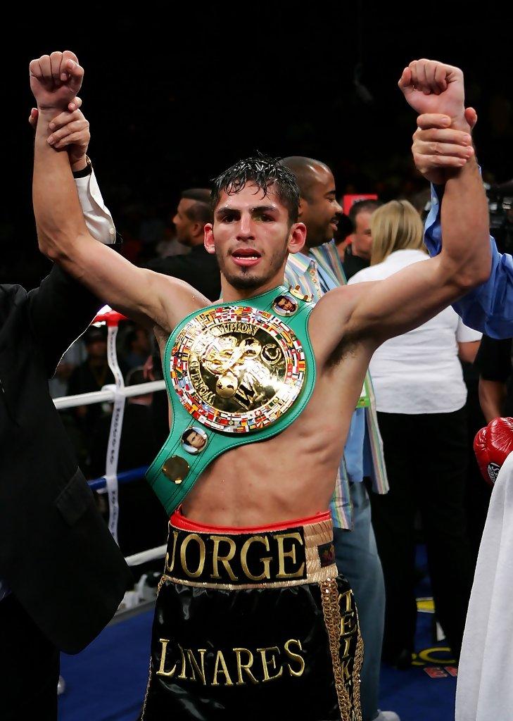 En la categoría ligera, Jorge Linares retuvo el Título Mundial de la Asociación Mundial de Boxeo