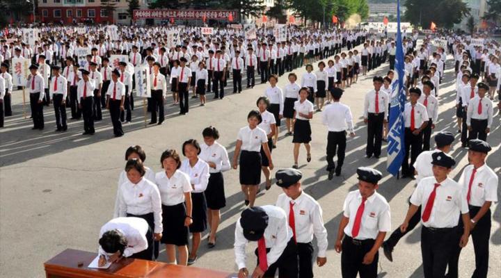 Acceso a la tecnología, buscan jóvenes norcoreanos en la frontera con China