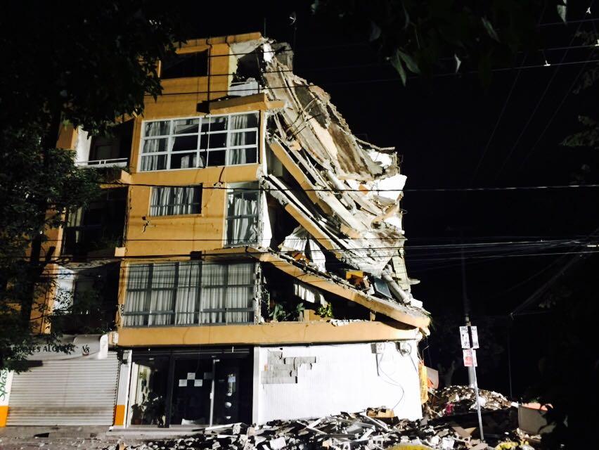 las escuelas; se estima que en nueve estados mexicanos se reportan mas de cinco mil centros educativo que presentan daños posterior al sismo
