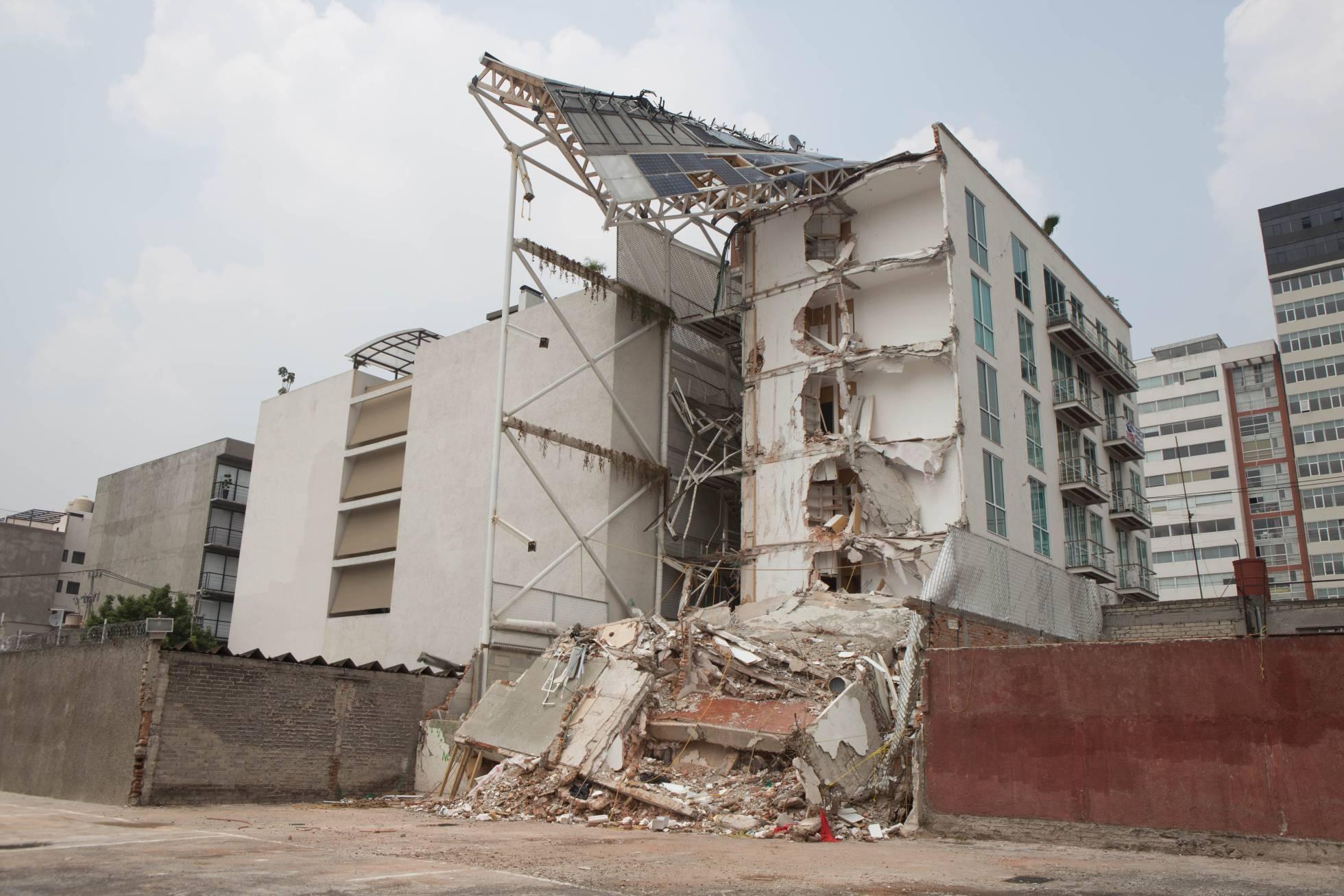Arquitecto que diseñó edificio que colapsó en terremoto de México, será procesado