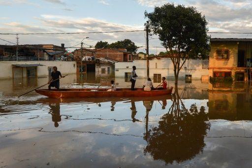 se estima que cerca de 22 casas fueron arrasadas por el deslizamiento