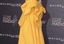La modela Gigi Hadid lleva el color que sustituirá al 'rosa millennial'