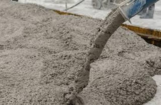 el proceso para su fabricación es muy sencillo, ya que se muele el residuo de la combustión de los huesos de oliva y la escoria, se establece la dosis adecuada de uno y otro y se mezcla todo con agua.
