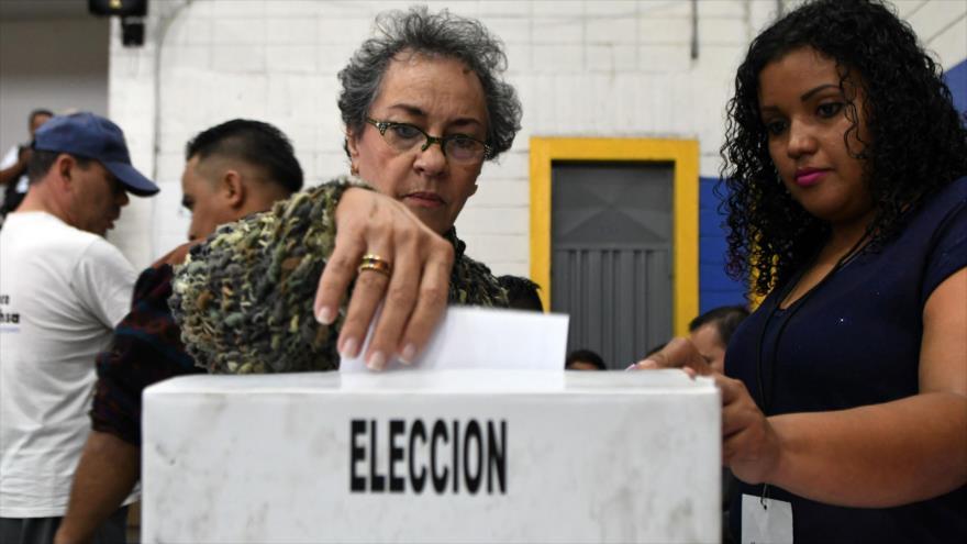 Los hondureños llevan adelante una jornada electoral sin contratiempo