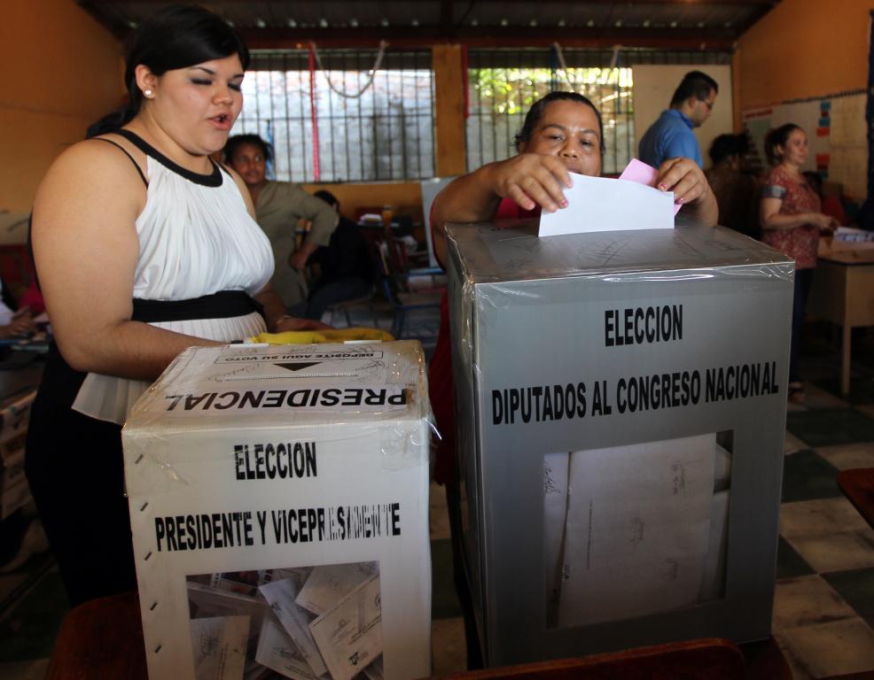 Como en toda elección, en Honduras hay candidatos favoritos y estos son, Juan Orlando Hernández, así como el periodista Salvador Nasralla,