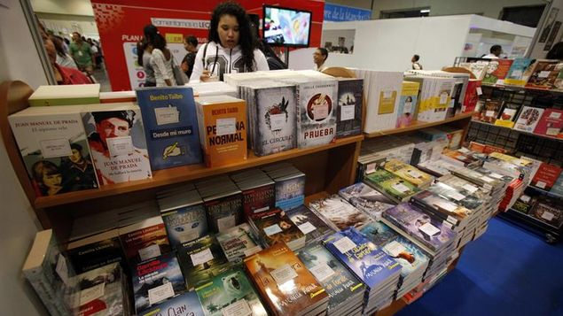 Los colombianos adquieren su bibliografía favorita a través delas librerías