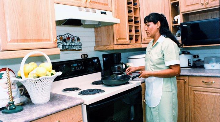 """En Chile dignifican el trabajo de las empleadas domésticas o """"nanas"""""""