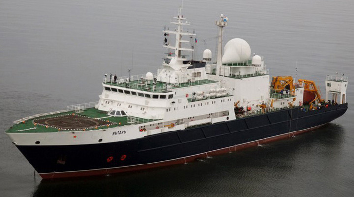 Barco ruso Yantar, con sus sensores de alta tecnología, rastrillan el fondo del mar en busca del ARA San Juan
