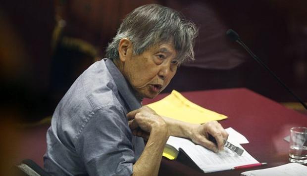 Funcionarios públicos del gobierno de Alberto Fujimori, están involucrados en delitos de peculado, abuso de autoridad, asociación ilícita para delinquir