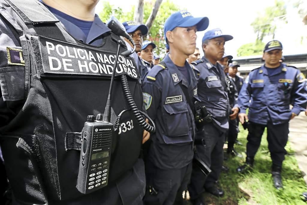 En huelga se declaró  la policia de Honduras y se negó a atacar a su propio pueblo