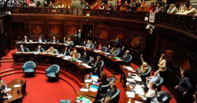Uruguay promueve ley integral de protección a las mujeres que sufren violencia