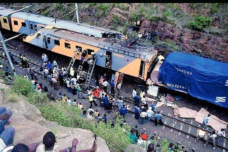 Este nuevo accidente ferroviario,  se produce tan solo a cinco días después de que ocurriera otro accidente ocasionado cerca de Kroonstad, en el centro de Sudáfrica, en el que un tren colisionó con un camión que se saltó un paso a nivel, dejando lamentablemente  18 pasajeros fallecidos  y más de 250 heridos.