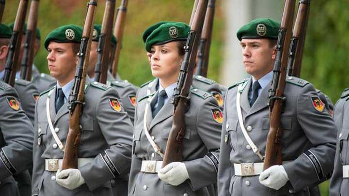 las tropas alemanas se han nutrido de chicos  de manera continuada, reveló que para el 2011, solo habían  689 menores de edad en el ejército