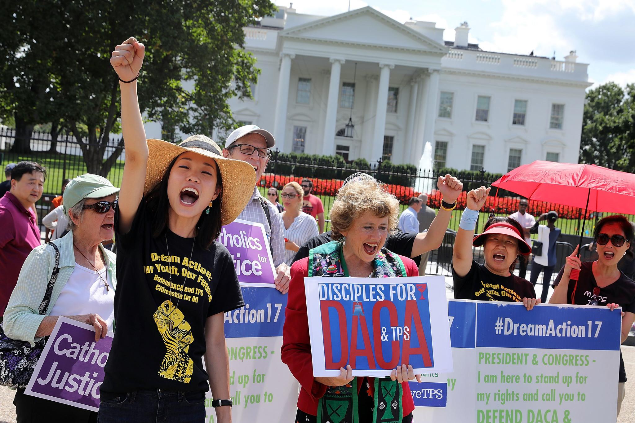 El proyecto DACA (Acción Diferida para los Llegados en la Infancia) fue impulsado en 2012 por el ex presidente, Barack Obama,