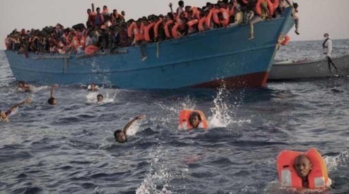 Cien inmigrantes desaparecidos en naufragio en el Mar Mediterráneo