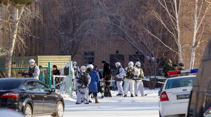 Adolescente ruso ataca con un hacha a sus compañeros de escuela