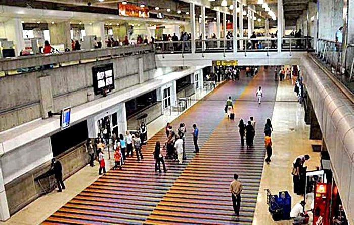 Los pasajeros que llegaban al país tenían comité de bienvenida